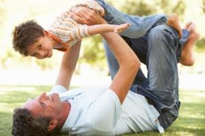 padre-attempato-autismo-bambino
